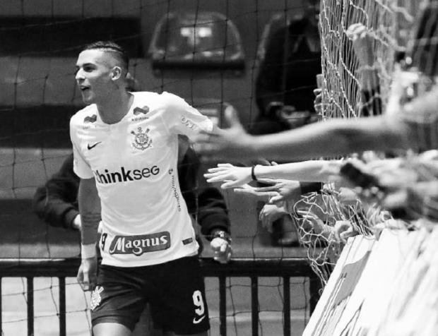 Decisão do título da Taça Brasil de Futsal é adiada após morte de jogador do Corinthians Corinthians Futsal / Reprodução/Reprodução