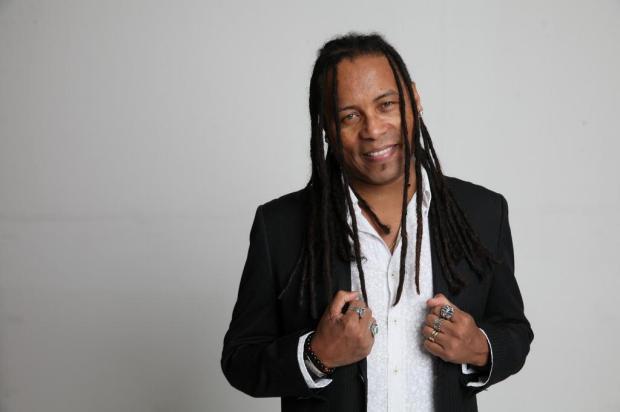 Serginho Moah mostra turnê solo em Caxias Bernardo Souza/Divulgação