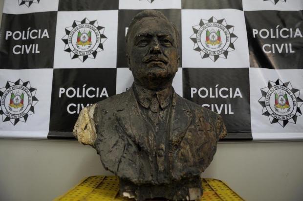 Quem é? Identidade de busto apreendido com homem em Caxias ainda não foi esclarecida Lucas Amorelli/Agencia RBS