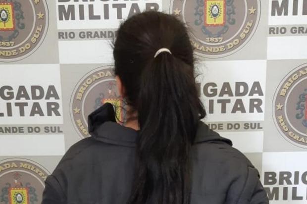 Mulher é presa por tráfico de drogas em Caxias Brigada Militar/Divulgação