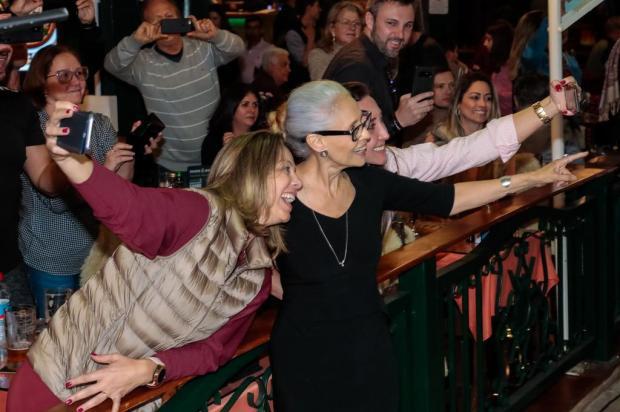 """Estrela de """"Bacurau"""", Sônia Braga é a atriz mais assediada pelos fãs no Festival de Gramado Cleiton Thiele/Agência Pressphoto,Divulgação"""