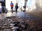 Irregularidades em calçadas prejudicam pedestres no centro de Caxias Antonio Valiente/Agencia RBS