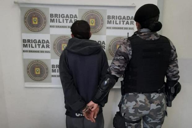 Homem é preso com 35 pedras de crack e com cocaína em Caxias Brigada Militar/Divulgação