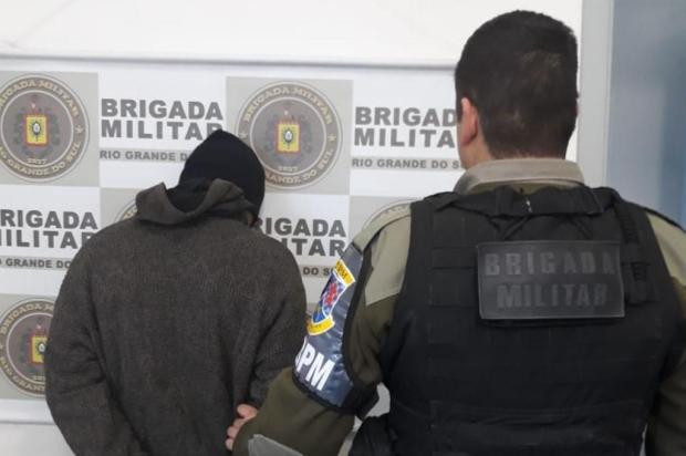 Jovem é preso após assalto a ônibus do transporte coletivo em Caxias Brigada Militar/Divulgação