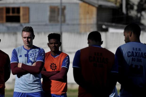Técnico do Caxias mantém dúvida na lateral antes de confronto com o Grêmio Lucas Amorelli/Agencia RBS