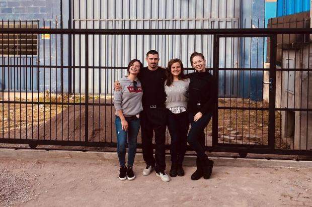 De pavilhão fabril à casa de hip hop: amigos se unem para oferecer dança, música e poesia para jovens em Caxias Arquivo pessoal/Divulgação