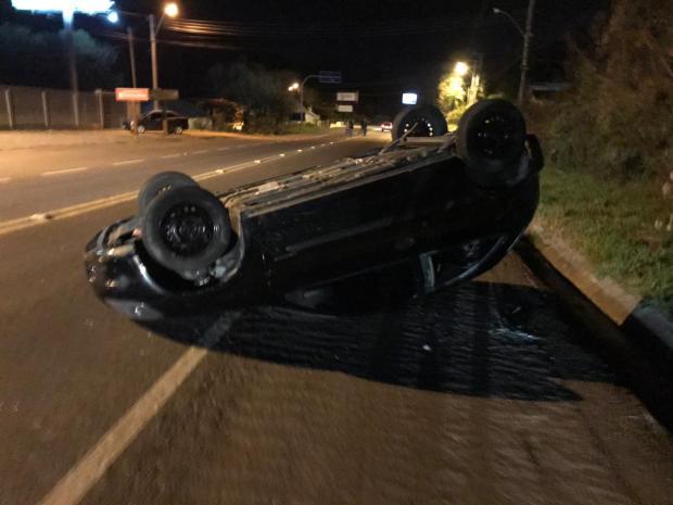 Jovem fica ferida em acidente na BR-116, em Caxias do Sul Polícia Rodoviária Federal / Divulgação/Divulgação