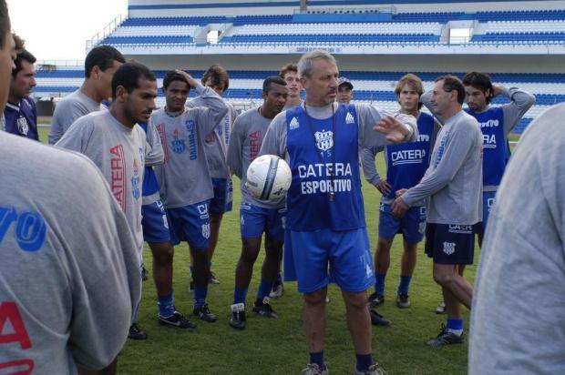 Ídolos e recordistas: os atletas que mais atuaram pelo Esportivo nos 100 anos do clube Almir Dupont/Agencia RBS