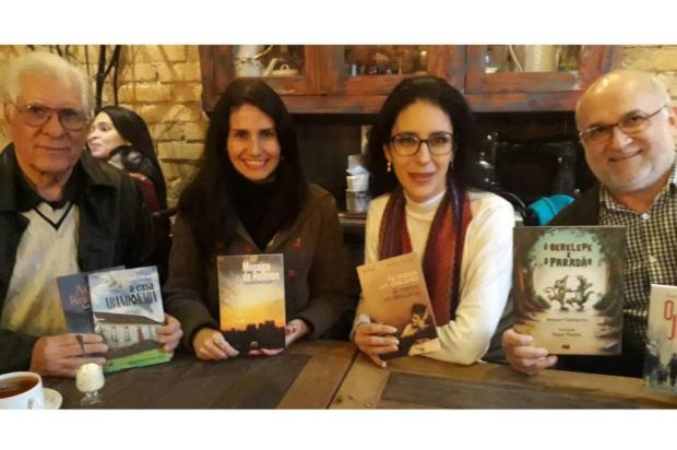 Quatro autores lançam livros no Zarabatana Café, em Caxias divulgação/Divulgação