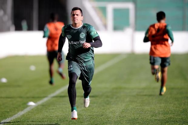 Eltinho aparece em treinamento e pode reforçar Juventude na decisão contra Imperatriz Antonio Valiente/Agencia RBS