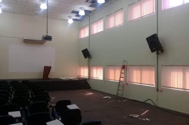 Após ser danificado por granizo, auditório da prefeitura de Caxias passará por reforma Fernanda Silvestri/Divulgação