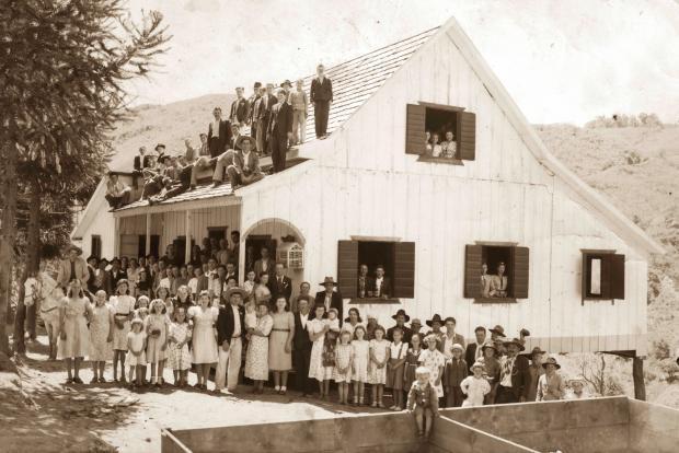 A família de Sisto Echer em Santa Lúcia do Piaí Acervo de família / divulgação/divulgação