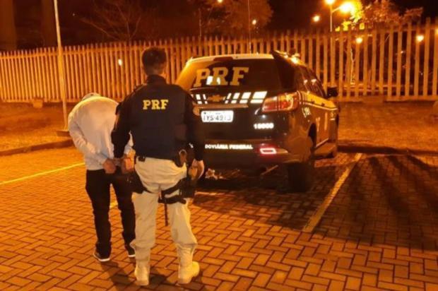 Motorista embriagado e sem carteira é preso depois de se envolver em acidente em Caxias PRF/Divulgação