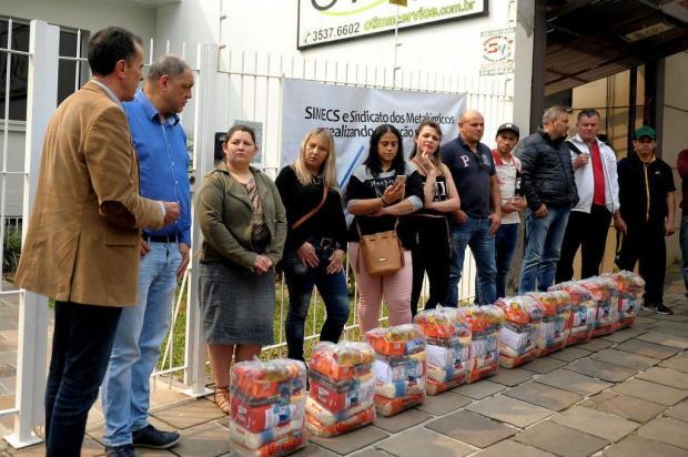 Sindicatos doam cestas básicas para ex-funcionários da Metalcorte de Caxias do Sul Lucas Amorelli/Agencia RBS
