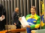 Deputado governista tem projeto para permitir uso da bandeira nacional em roupas Bruno Peres/Divulgação