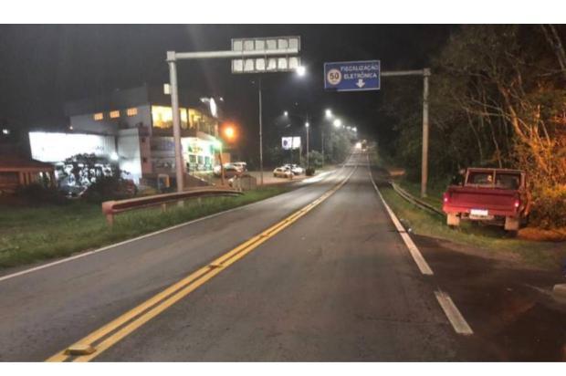 Homem morre após ser atropelado na BR-470, em Veranópolis Divulgação / PRF/PRF