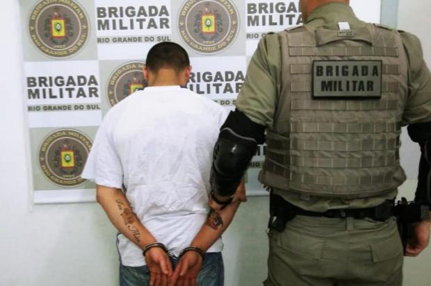 Jovem é detido por porte ilegal de arma em Caxias próximo ao estádio Alfredo Jaconi Brigada Militar/Divulgação