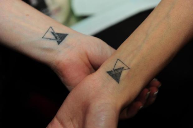 Conheça as fãs caxienses que tatuaram a paixão por Sandy & Junior Porthus Junior/Agencia RBS