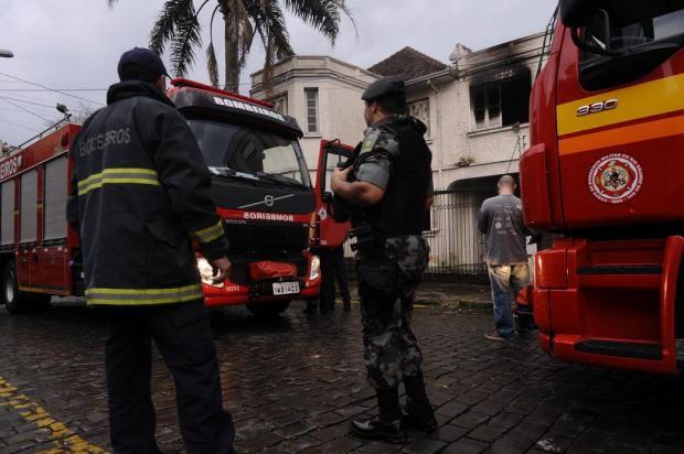 Invadida por usuários de droga, casa da família Rigotto volta a ser alvo de incêndio em Caxias Antonio Valientea/Agencia RBS