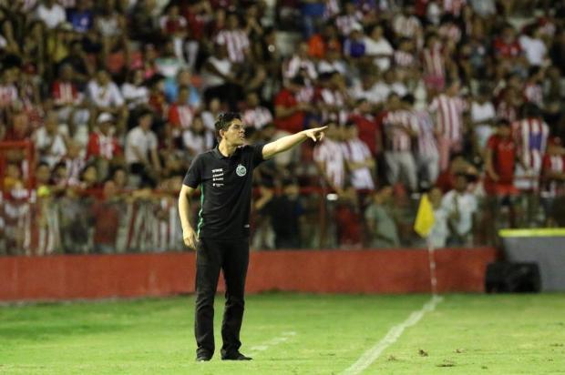 Fahel lamenta descuidos do Juventude que renderam gols ao Náutico Marlon Costa/Futura Press