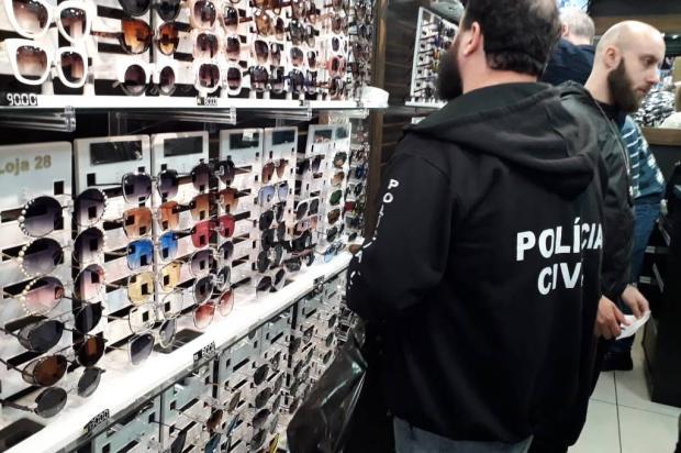 Cinco mil óculos falsificados são recolhidos do Camelódromo de Caxias Polícia Civil  / Divulgação /Divulgação