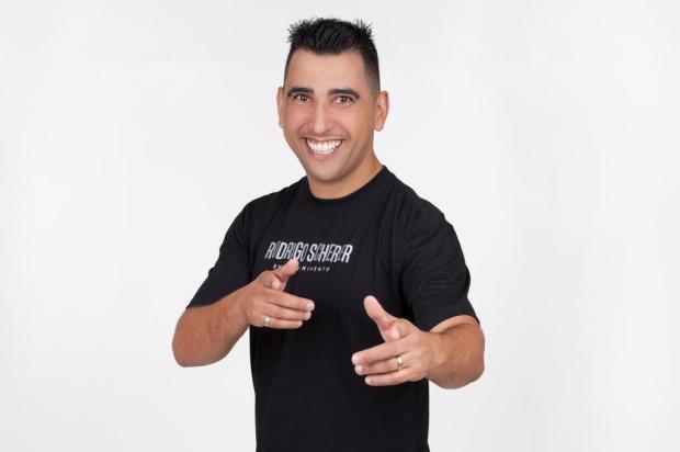 Rodrigo Scherer lança curso online de dança nesta sexta Studio Scalco/Divulgação