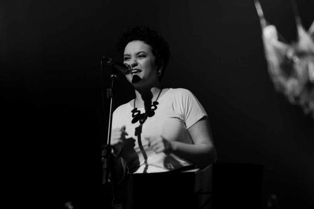 Orquestra de Garibaldi recebe cantora Camila Lopez para tributo a Elis Regina Mandy Medeiros/Divulgação