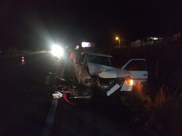 Acidente entre moto e carro na RSC-453,em Vila Seca, deixa uma pessoa ferida Grupo Rodoviário de Farroupilha  / Divulgação /Divulgação