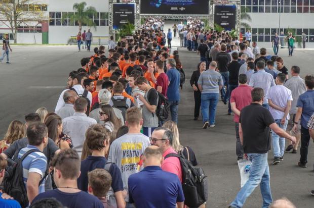 Longas filas na Mercopar animam empresários da Serra Wesley Santos/divulgação