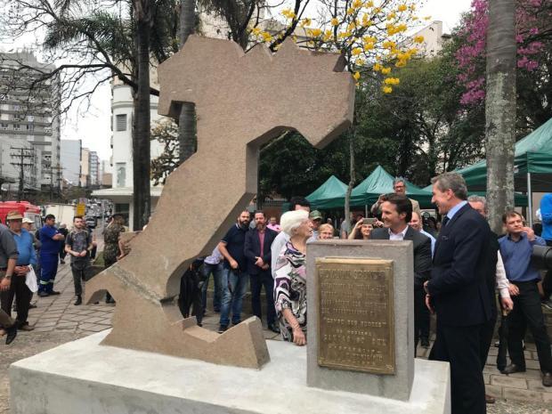 """Saiba por que o Monumento à Itália, em Caxias, ficou com uma """"cicatriz"""" após o restauro André Tajes / agência RBS/agência RBS"""