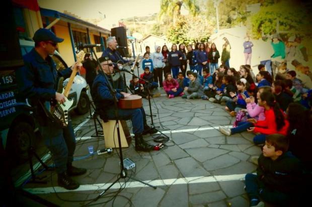 Guarda Municipal incentiva estudantes a montarem bandas no projeto EducaSom Guarda Municipal/Divulgação