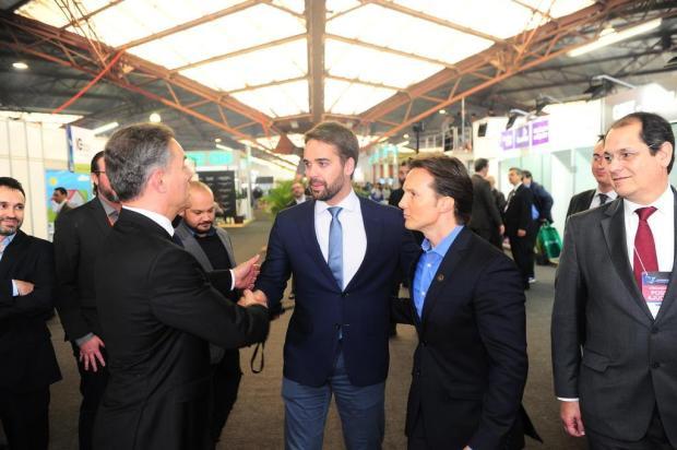 Momentos curiosos do prefeito Daniel Guerra na visita de Eduardo Leite à Mercopar, em Caxias Porthus Junior/Agencia RBS