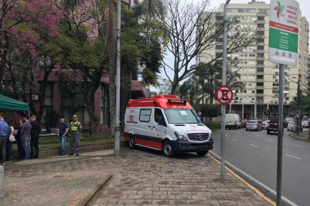 Descuido com o pedestre em entrega de ambulâncias em Caxias André Tajes/Agência RBS