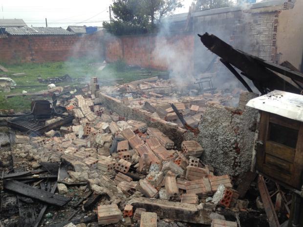 Incêndio destrói casa no bairro Esplanada, em Caxias Marcelo Passarella / Gaúcha Serra/Gaúcha Serra