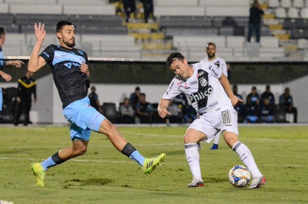 Emprestado pelo Juventude, Renato Cajá faz primeiro gol pela Ponte Preta Alvaro Júnior / Pontepress/Pontepress