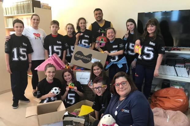 Escola de Caxias arrecada mais de cinco mil brinquedos para crianças vulneráveis  Leonardo Amaral/Divulgação