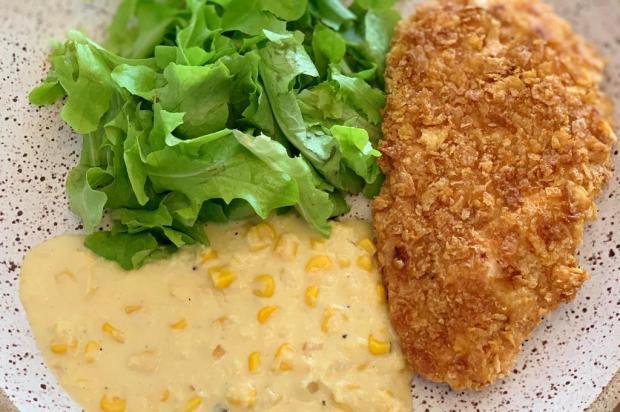 Na Cozinha: aprenda a fazer frango crocante com creme de milho Lela Zaniol/Agência RBS