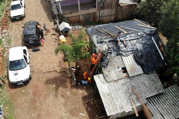 Exército vai ajudar na reconstrução de casas destelhadas por granizo em Lagoa Vermelha José Franklin/divugalção
