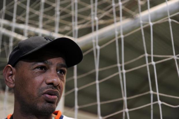 Ex-meia da dupla Ca-Ju, Marcelo Costa tem no futebol a força para lutar contra insuficiência renal Marcelo Casagrande/Agencia RBS