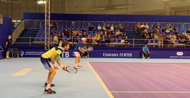 Tenista caxiense conquista o seu segundo título de duplas na ATP Divulgação/