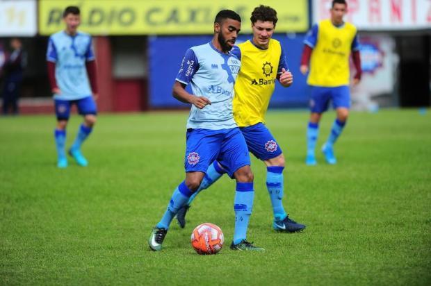 Lacerda muda esquema e jogadores para escalar o time do Caxias Porthus Junior/Agencia RBS