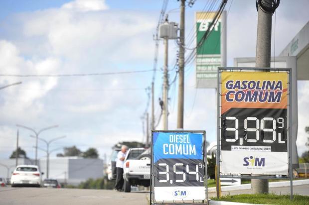 Gasolina comum em Caxias chega a R$ 3,99 o litro Lucas Amorelli/Agencia RBS