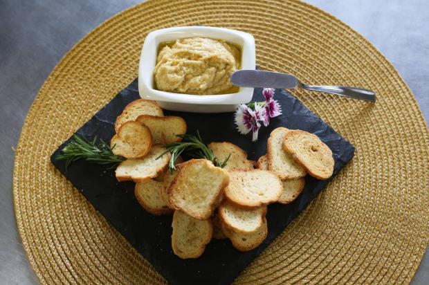 Na Cozinha: homus de feijão branco em apenas 25 minutos André Feltes / Agência RBS/Agência RBS