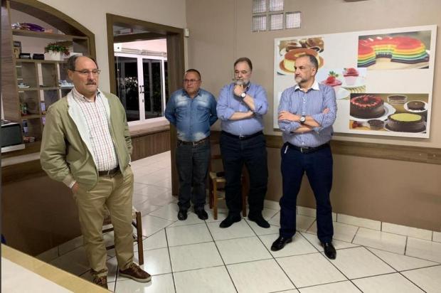 """Ex-governador Sartori quer """"ajudar a construir"""", diz deputado sobre eleições municipais Twitter/Reprodução"""