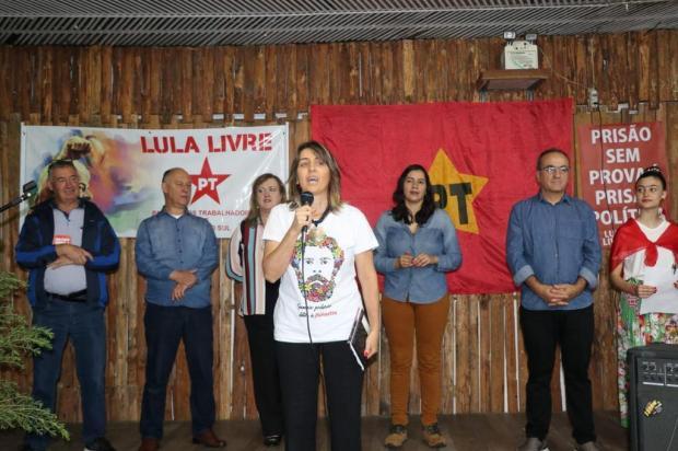 PT de Caxias do Sul comemora o aniversário do ex-presidente Lula Divulgação Dionísio Marcon/Divulgação