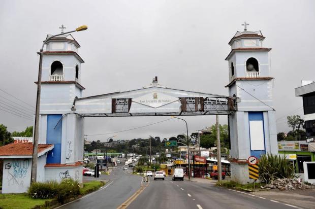 Prefeitura de Caxias do Sul promete fornecer material para reforma do pórtico de Ana Rech Lucas Amorelli/Agencia RBS
