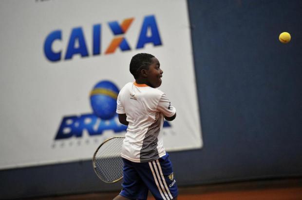 Lapidando Cidadãos tem no tênis um meio de criar novas perspectivas às crianças de Vacaria Lucas Amorelli/Agencia RBS