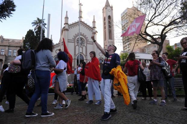 Militância petista comemora em Caxias do Sul soltura de Lula Marcelo Casagrande/Agencia RBS