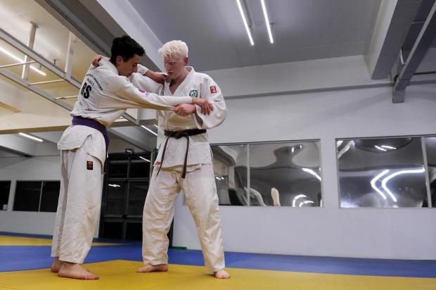 Conheça a história do judoca que superou limitações para garantir vaga na seleção brasileira de base Marcelo Casagrande/Agencia RBS