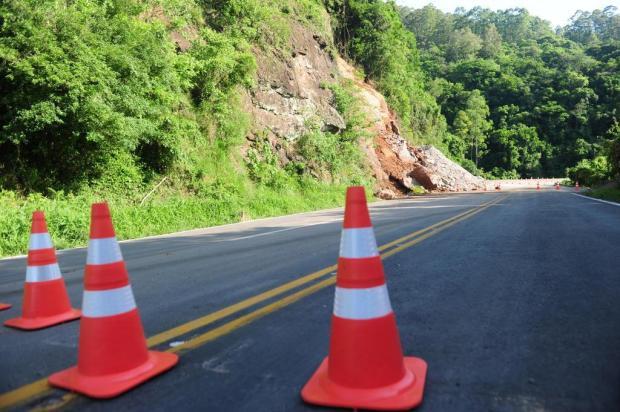 Perfurações em encosta para liberar trânsito na ERS-122, em Farroupilha, devem ocorrer nesta quinta-feira Porthus Junior/Agencia RBS
